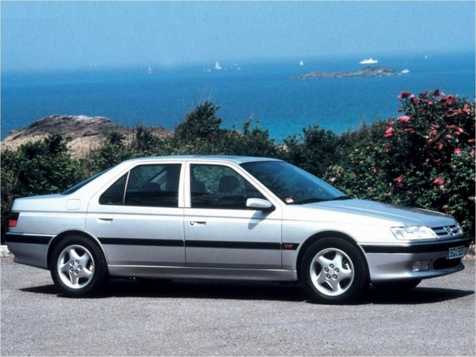 La 605 SV, dotée du nouveau V6 ES9 de 194 ch remplace les 2 SV de première génération en 1994