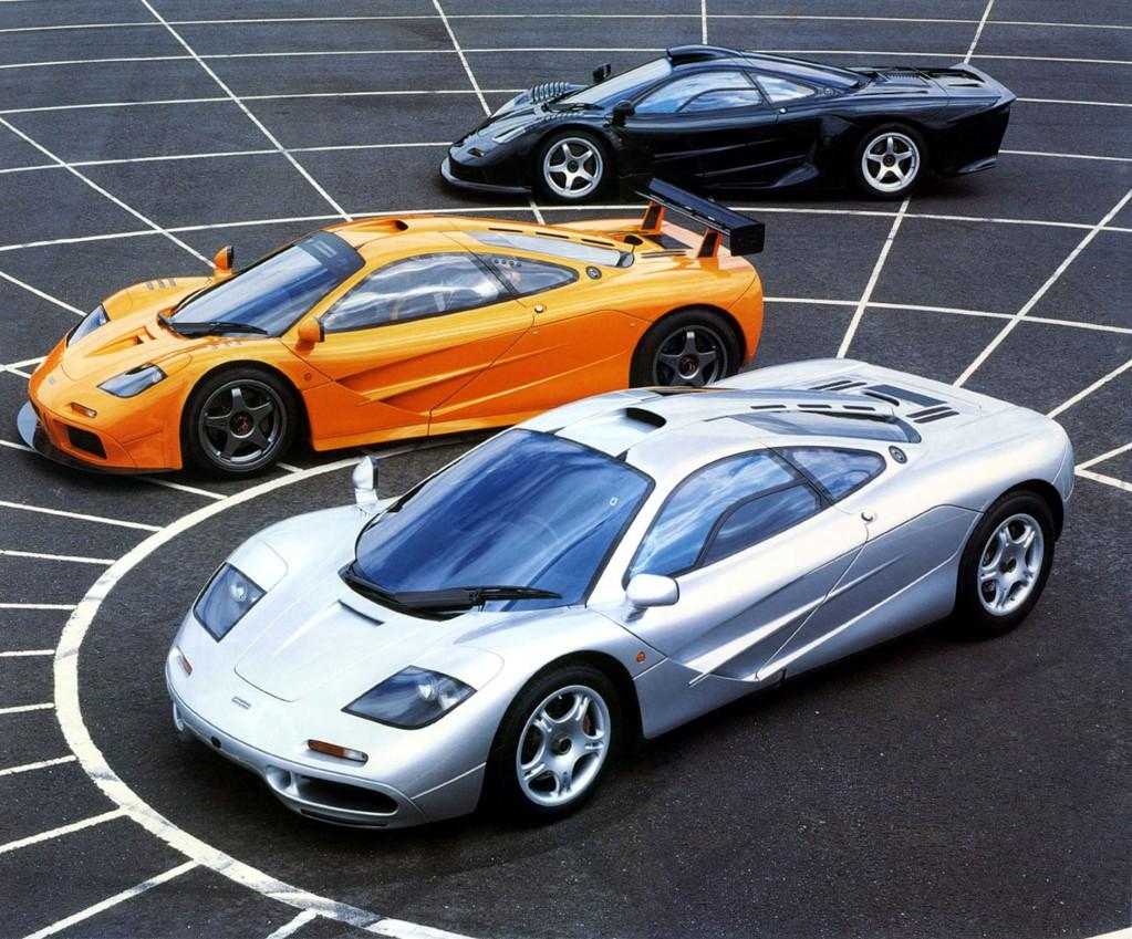 Au premier plan la F1, au deuième la LM (Orange) et au troisème la GT !