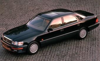 Lexus LS400 : je suis une légende !