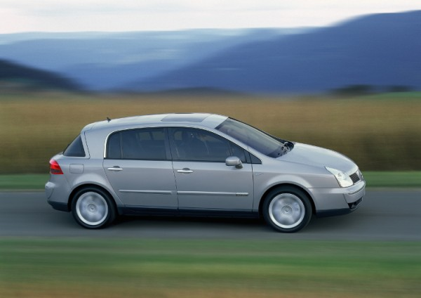 2022 - [Renault] SUV Compact EV [HCC] - Page 3 Vel-Satis-04