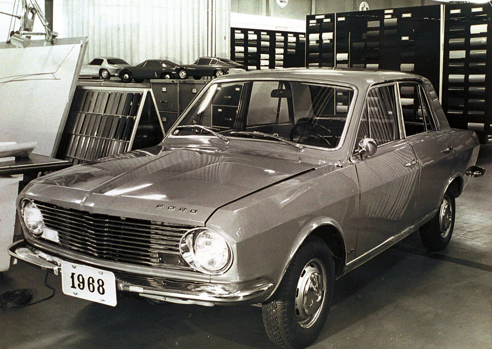 La Ford Corcel, très proche de la Renault 12, est présentée en 1968