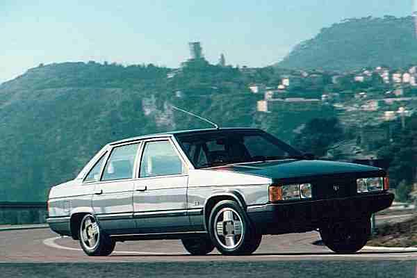 La Tagora SX était la plus puissante des berlines françaises, avec son V6 PRV de 165 ch.