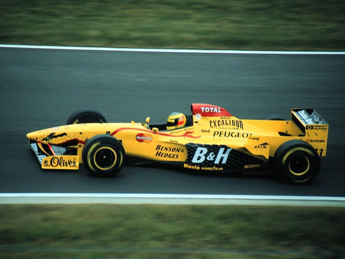 Peugeot s'associera à Jordan, avant de rejoindre Prost au sein de Prost Grand Prix
