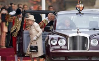 Bentley State Limousine : le royal destrier de la Reine Elizabeth II