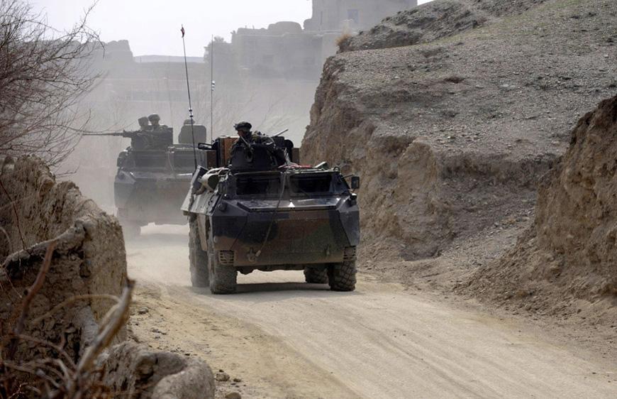 Des VAB dans la chaleur de l'Afghanistan