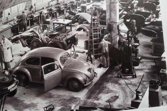 L'usine va produire pour les anglais avant d'être cédée au Lander de Basse Saxe en 1948 !