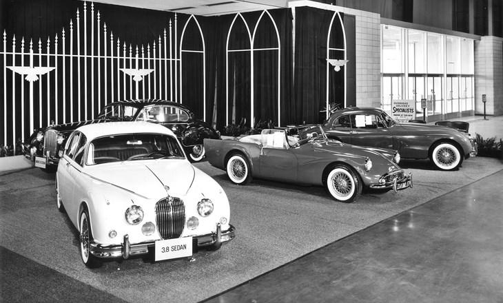 Au milieu des Jaguar et des Daimler à Chicago, la SP 250 trône !
