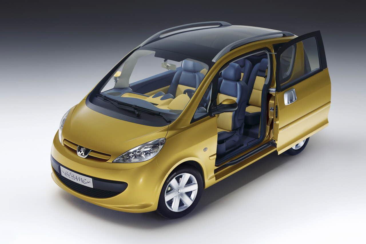 Peugeot Sésame, concept car de 2002 qui inspira la 1007