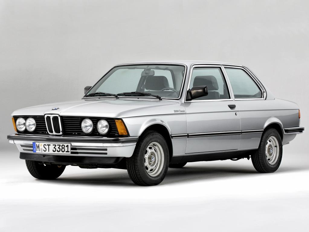 Une belle 323i restaurée chez BMW Heritage !