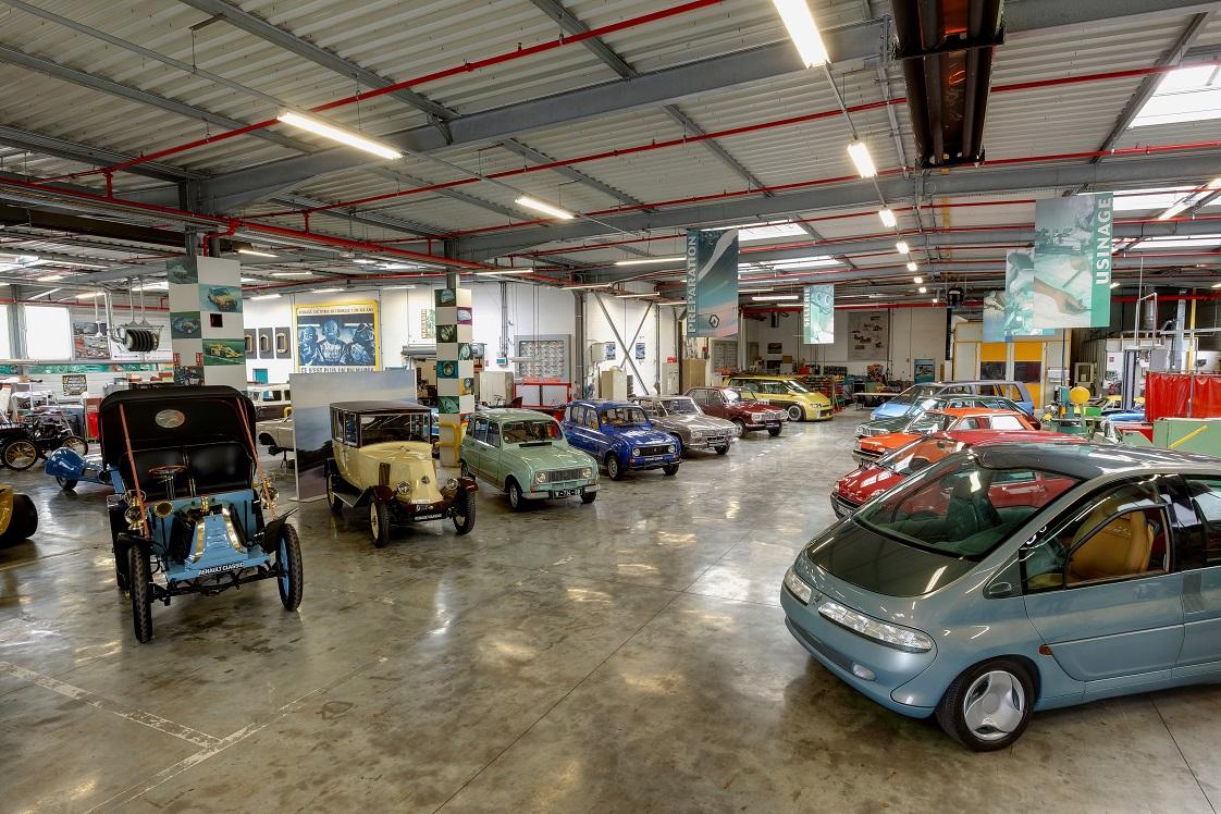 Regardez bien tout au fond du hangar (Photo Renault/B.Canonne)