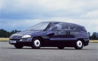 Mercedes F100: un concept prémonitoire !
