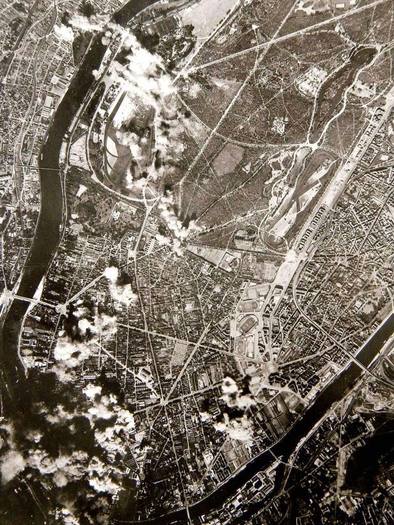 Bombardement des usines Renault à Billancourt à la fin de la guerre !