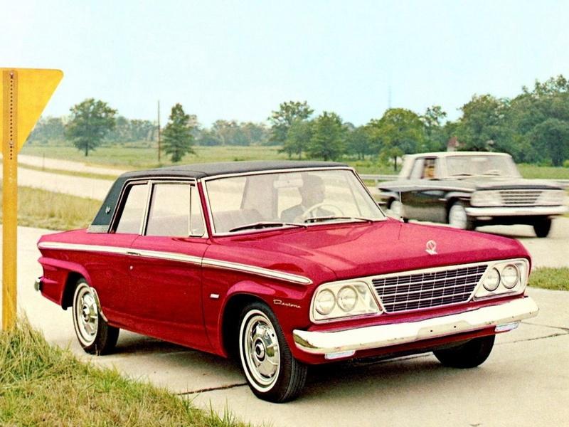 La Studebaker Daytona servira de base à l'Excalibur Serie I (sans le moteur qui viendra de chez Chevrolet)
