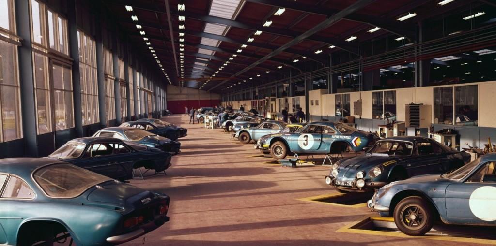 A partir de 1960, c'est à Dieppe que seront assemblées les Alpines (ici des A110 en 1976)