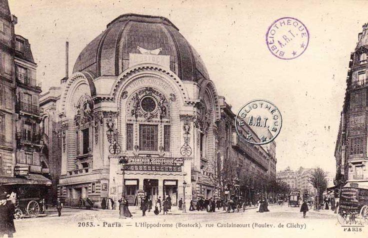 L'Hippodrome construit en 1899 (en haut) deviendra ensuite un cinéma, et prendra une façade art déco en 1930 (en bas). Il faisait face à l'imposant Grand Garage Escoffier lors de la création d'Alpine