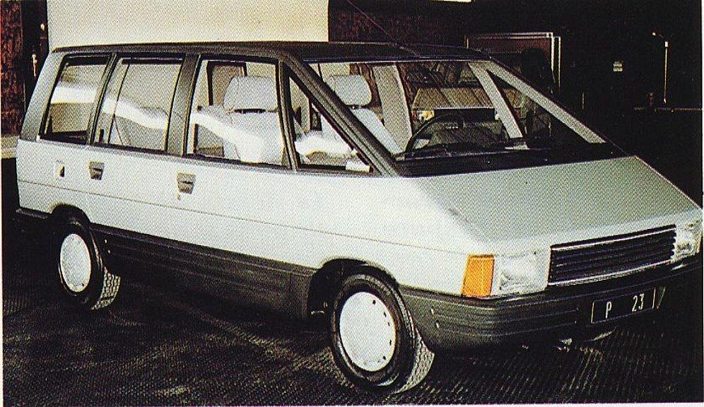 Le P23, dernier proto de la série, est déjà proche de ce que sera l'Espace, et se base sur une Renault 18, abandonnant toute référence Peugeot/Talbot !