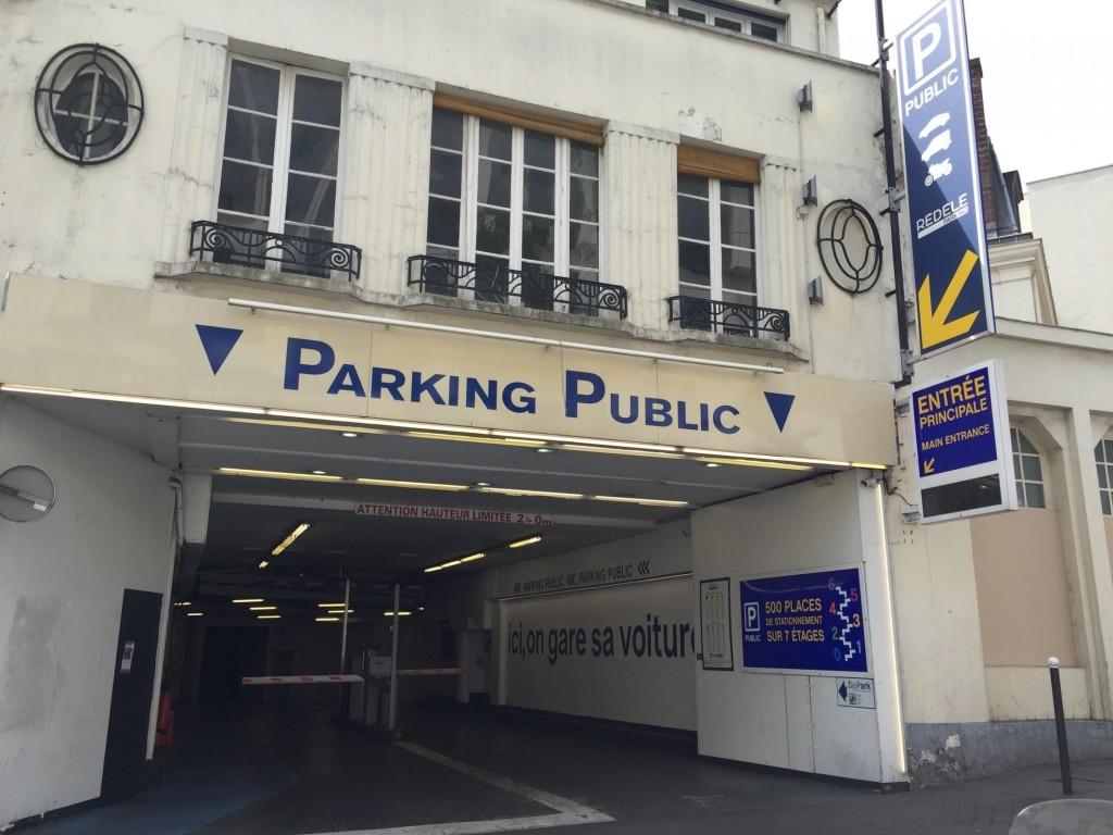 L'entrée du Parking Rédélé aujourd'hui