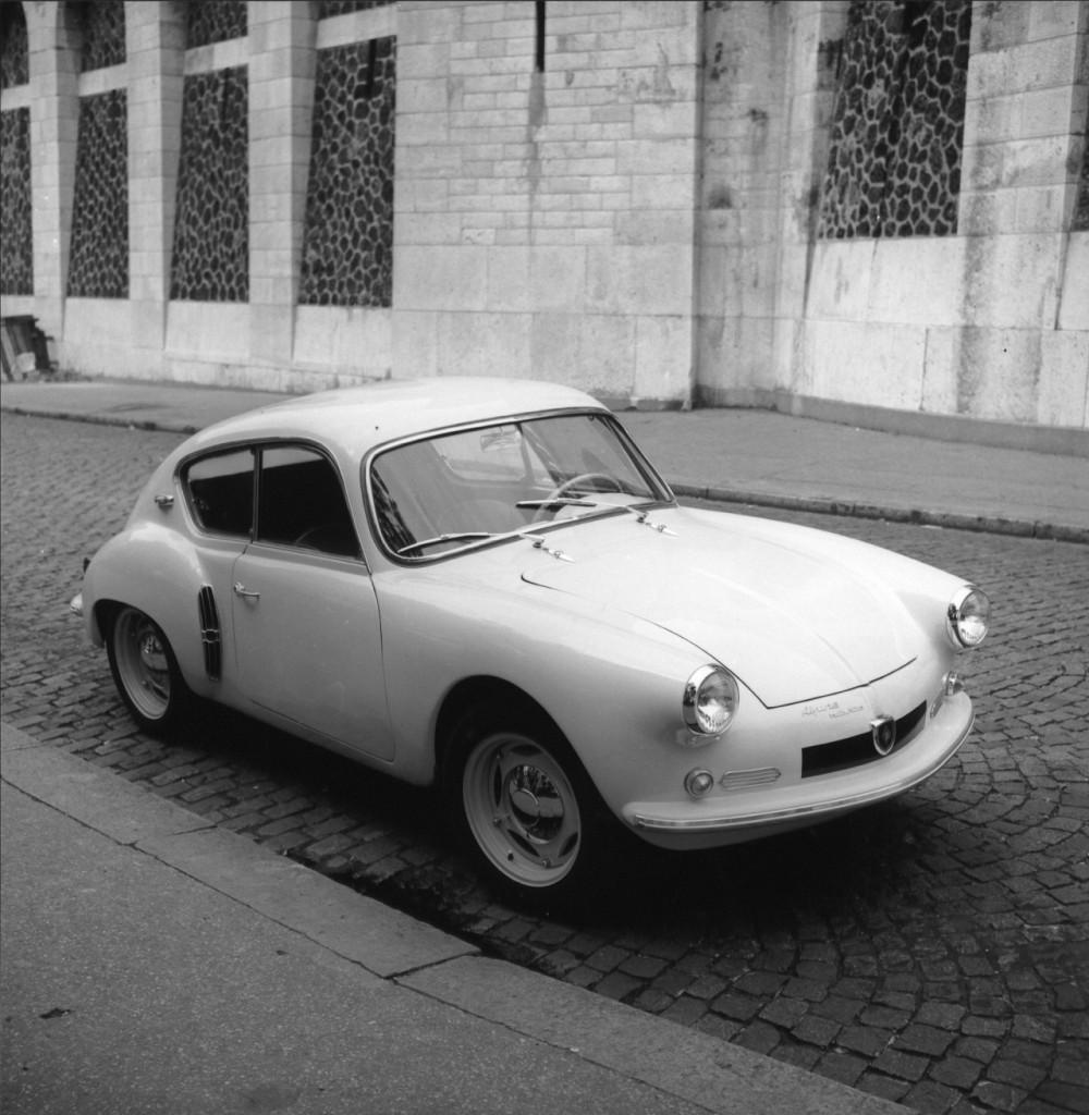 Le prototype du Coach dessiné par Louis Gessalin, qui séduisit Charles Escoffier et donna naissance à l'A106