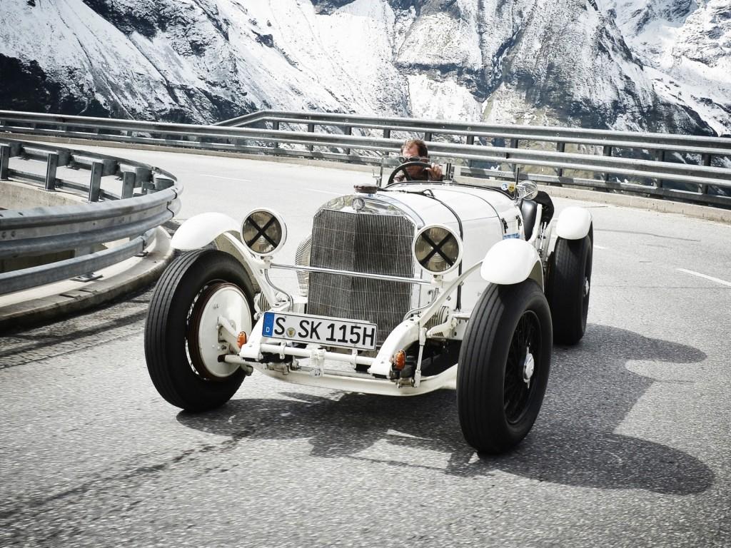 La Mercedes Benz SS de 1928 (W06) servira quant à elle de modèle à Stevens !