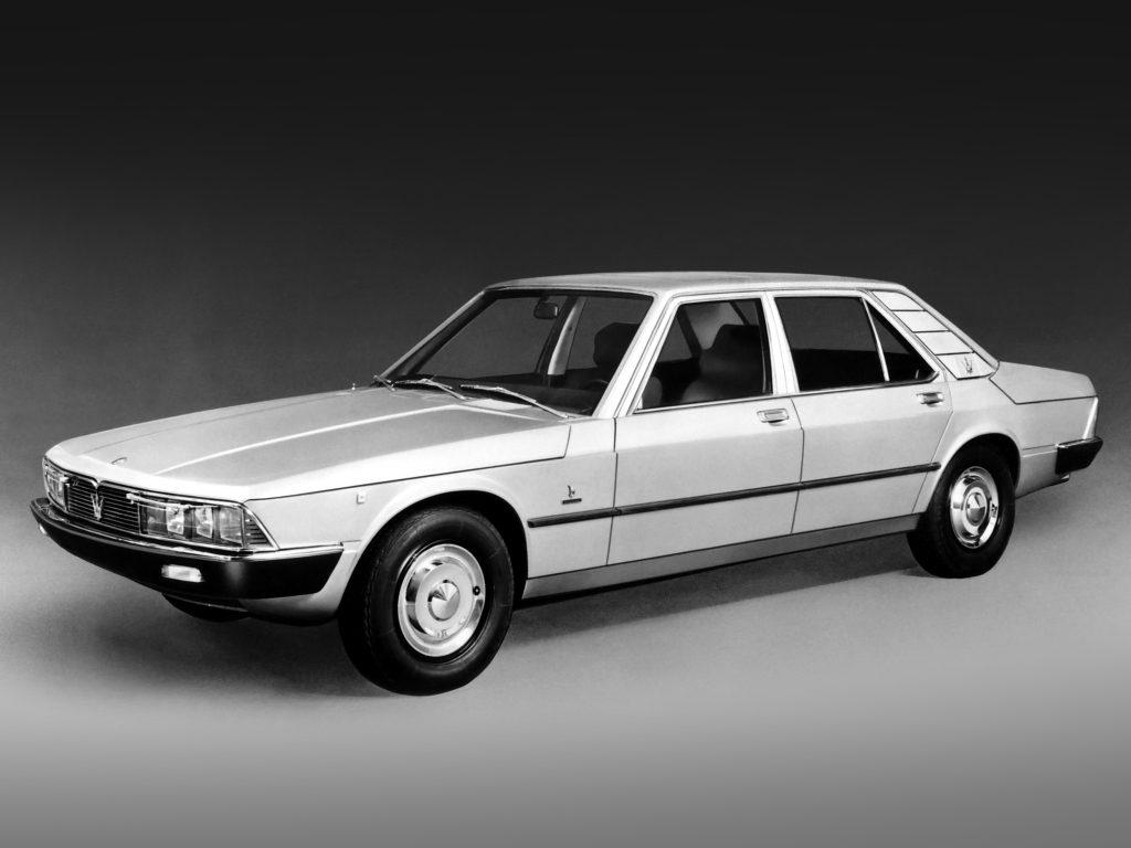 Avec Citroën, la Quattroporte rentre dans la modernité: style signé Gandini, traction avant, suspensions hydrauliques !