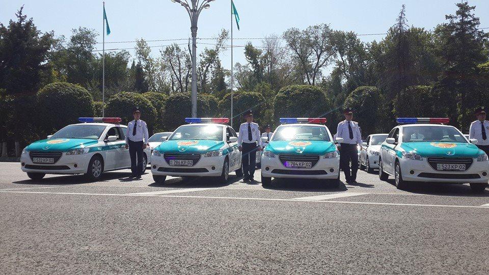 La Police d'Astana prend livraison de 42 Peugeot 301 en juin 2014