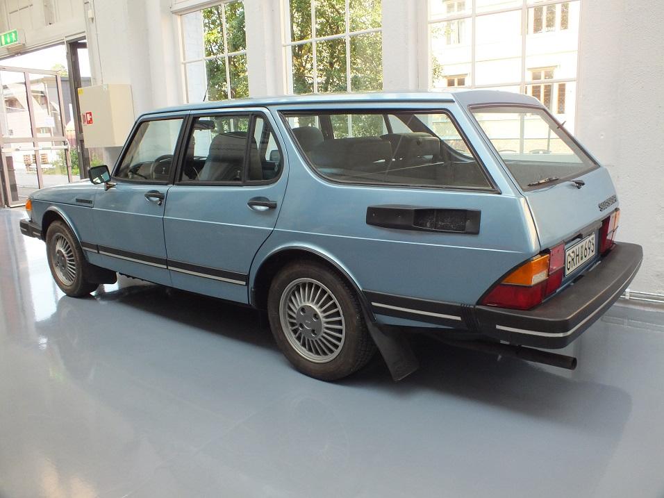 """La première version, datant de 1980, se trouve au Musée Saab, et a gardé son """"flat nose"""""""