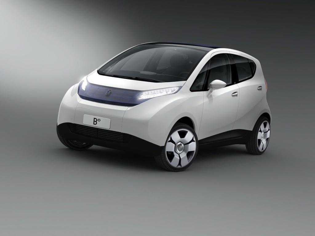 En 2008, Pininfarina présente la B°, qui préfigure la Bluecar telle que nous la connaissons aujourd'hui