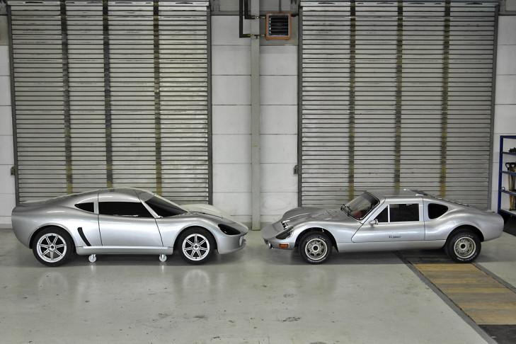 La maquette de la RS 2000 face à son ancêtre, la RS 1000