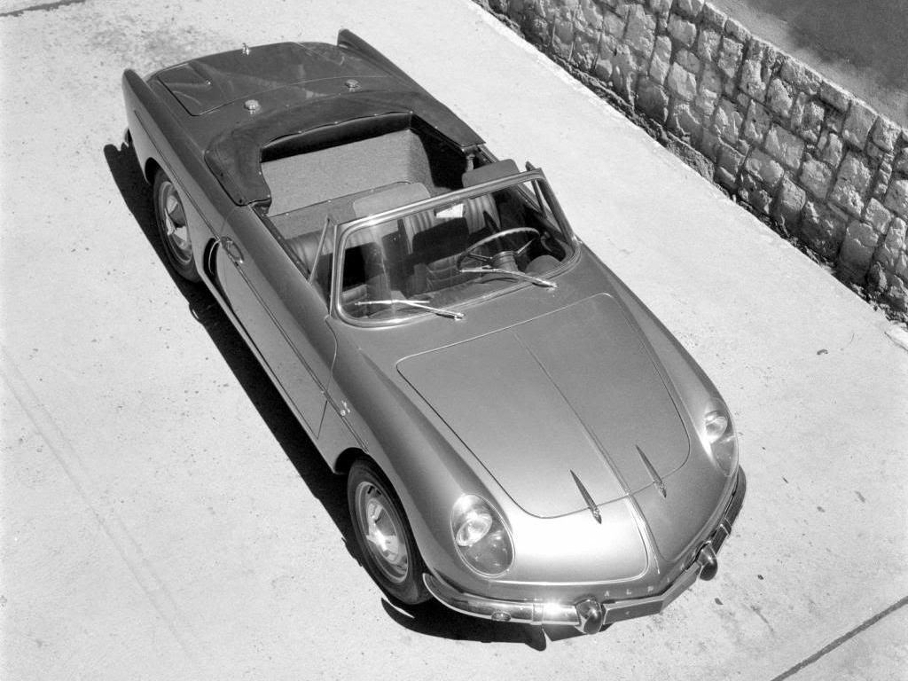 L'A108 Cabriolet (en haut-1963-1967) et l'A110 (en bas 1967-1978) seront aussi produite chez FASA