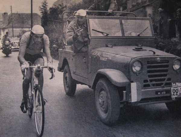 L'AR51 pendant le tour de France (en haut) et le raid Rome Pékin (en bas)