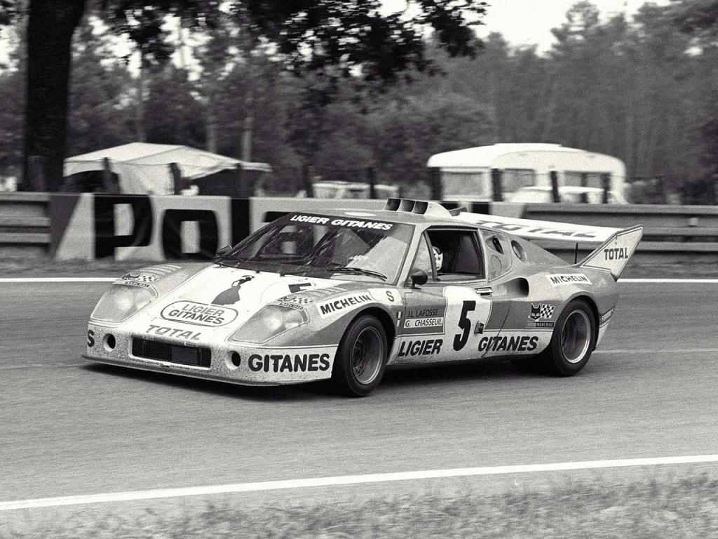 Pour la compétition, le V6 3 litres Maserati est porté à 270 ch