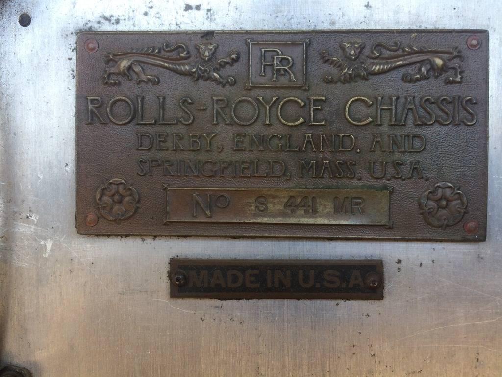 """Une plaque d'une Rolls """"Springfield"""""""