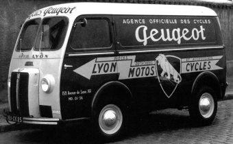 """Peugeot D3 et D4 : le """"nez de cochon"""""""