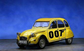 """Citroën 2CV 007 : """"Rien que pour vos yeux"""""""