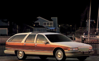 Buick Roadmaster Estate Wagon : allure bourgeoise et coeur de Corvette