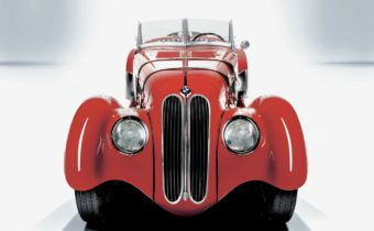 "BMW 328 ""pre-war"" : roadster visionnaire"